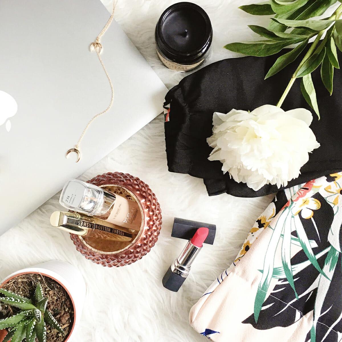 Kreatywna Freelancerka Fotografia, sesja kobieca, kobieca sesja zdjęciowa, portret, sesja portretowa, fotografia kobieca, fotograf Warszawa, fotografia lifestylowa, lifestyle, fotografia produktowa, zdjęcia stylizowane, Instagram